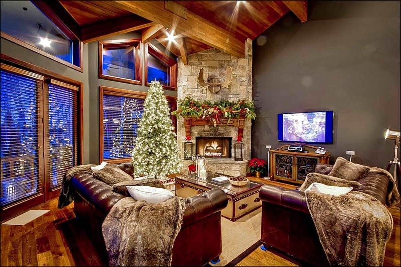 Stunning Living Room has Vaulted Ceilings and a Stone Fireplace - Incredible Mountain Views - Luxurious European Inspired Design (24586) - Park City - rentals
