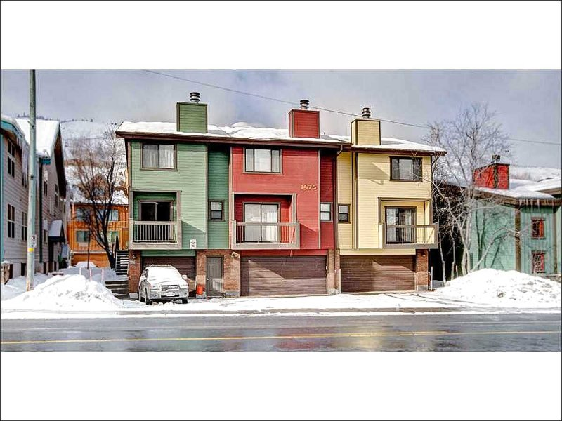 Lovely Townhome Exterior - Fantastic Town Home - Simple Yet Elegant Design (24631) - Park City - rentals