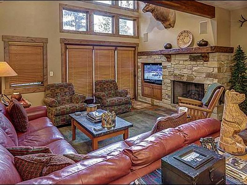Plenty of Seating and Beautiful Finishes in the Living Room - Centrally Located - Snow Park Area (24649) - Park City - rentals