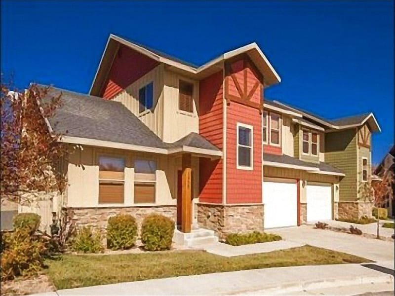 The Welcoming Exterior View - Just a Short Walk to the Gondola  - Views of the Jordanelle Lake (24663) - Park City - rentals