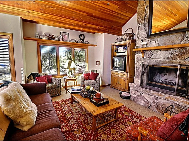 The Living Room Features Vaulted Ceilings and a Lovely Stone Fireplace - Walking Distance from Skiing, Shopping & Dining - Mountain Views (24787) - Park City - rentals