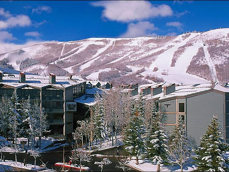 Enjoy the Mountain Views from Silver King Hotel - Centrally Located at the Base of the Resort - Tasteful Furnishings (24828) - Park City - rentals