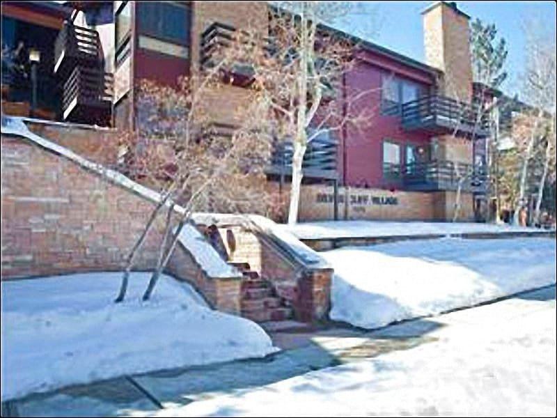 Silver Cliff Condominiums - Recently Updated Unit - One Block from the Shuttle (24910) - Park City - rentals
