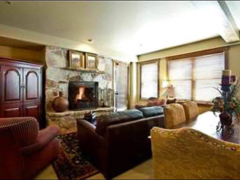 Living Room Features a Wood-Burning Fireplace and Sleeper Sofa - Beautiful Mont Cervin Plaza Condo - In the Heart of Silver Lake Village (24921) - Park City - rentals