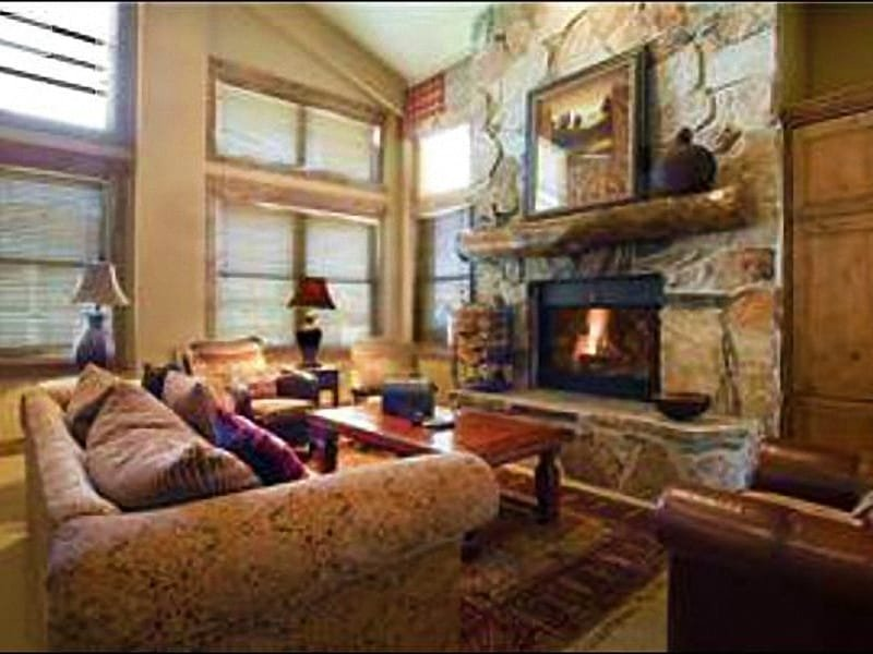 Vaulted Ceilings, Sofa Sleeper, and a Wood-Burning Fireplace in the Living Room - Luxurious Condo in Silver Lake Village - On the Free City Shuttle Route (24961) - Park City - rentals