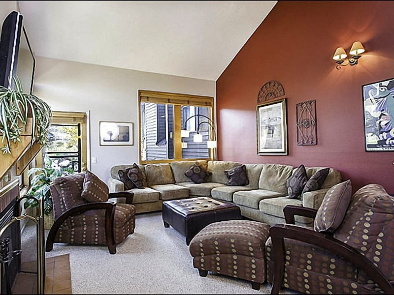 Top of the Line Furnishings and a Flat-Screen TV in the Living Room - Beautiful Vacation Condo - Well Suited for Families (24986) - Park City - rentals