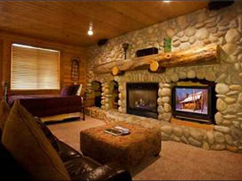 Living Room Features Timber and Stone Accents - Mountain Lodge-Like Accommodations - Located in Silver Lake Village (24989) - Park City - rentals