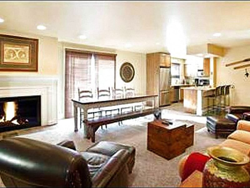 Open Layout Between the Living Room, Dining Area, and Kitchen - Remodeled Vacation Condo - Half a Mile from Main Street (25017) - Park City - rentals