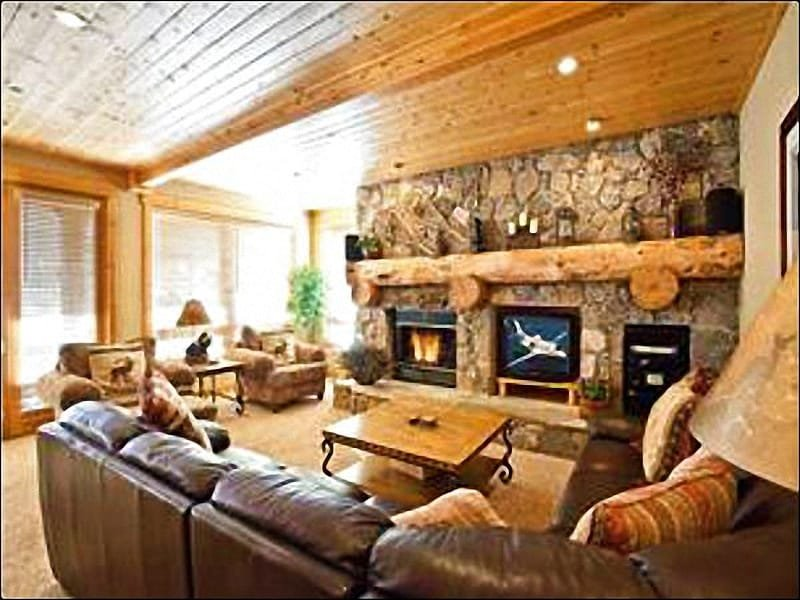 Living Room Features a Gas Fireplace and Flat-Screen TV - Wonderful Condo for 2 Families - Stone & Timber Finishes (25021) - Park City - rentals
