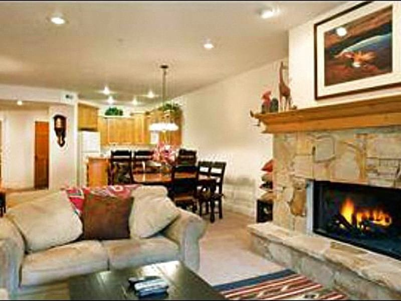 Sunny Living Room Includes a Gas Fireplace and Opens to the Dining Area - Great Condo for 3 - 4 Couples - Close to Hiking & Biking Trails, Too (25024) - Park City - rentals