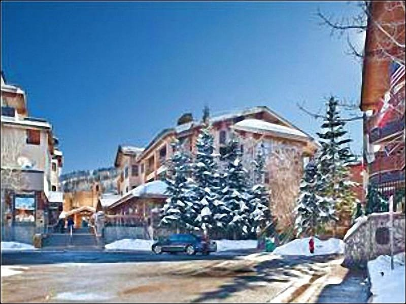 Mont Cervin Plaza Condominiums - Gorgeous Penthouse Condo - Granite & Knotty Alder Finishes (25028) - Park City - rentals
