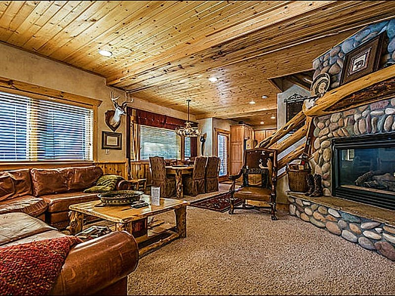 Living Room has a Gas Fireplace and Comfy Leather Furnishings - Ten Minute Drive to Park City's Main Street - Near the Base of Canyons Resort (25061) - Park City - rentals