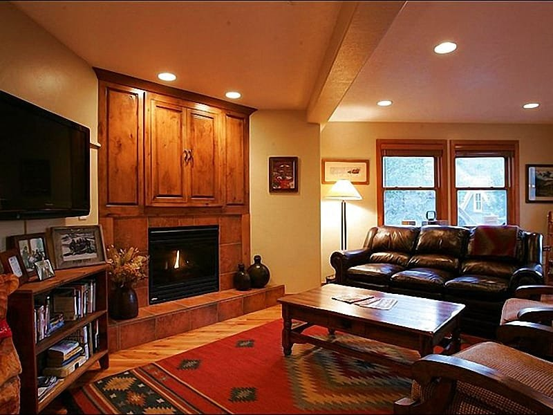 Living Room Boasts Leather Furnishings,  a Flat-Screen TV, and Gas Fireplace - Beautifully Furnished & Upgraded Home - Next to City Park (25072) - Park City - rentals