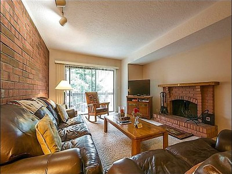 Well Appointed  Living Room with Wood  Burning Fireplace - Close to Local Shops and Activities - Air Conditioning (25150) - Park City - rentals
