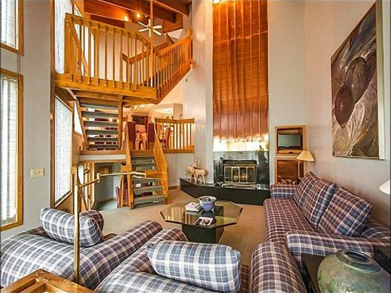 Living Room with Large Fire Place and Flat Screen TV - Beautiful Ski Resort Views - Less than a Mile from Snow Park Lodge (25151) - Park City - rentals