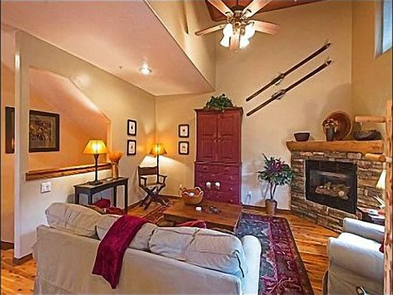 Great Room with Stone Fireplace and Mountain Views - Beautiful Mountain Views - Close to Shops & Nightlife (25154) - Park City - rentals