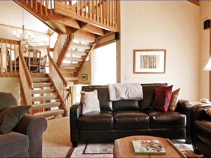 Living Room has Tasteful Furnishings and Vaulted Ceilings - Next to the Free Shuttle Stop - Convenient Location & Excellent Amenities (25163) - Park City - rentals