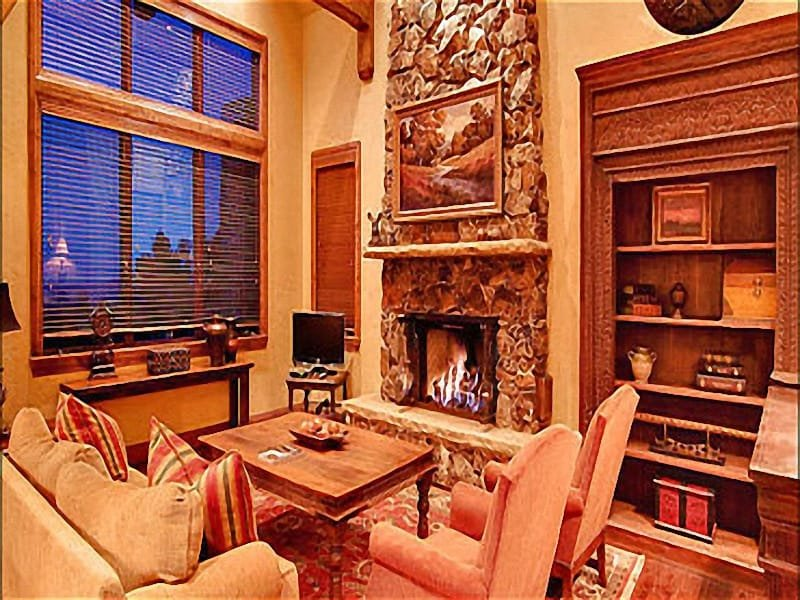 Elegant Living Room has a Stone Fireplace and a Flat Screen TV - High-End Furnishings & Elegant Mountain Decor - Complimentary Shuttle Service (25186) - Park City - rentals