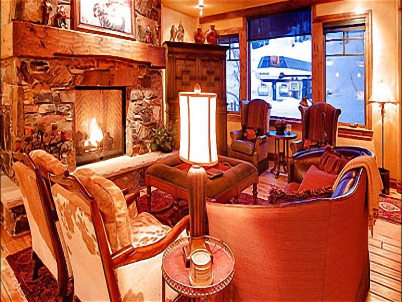 Living Room has a Cozy Fireplace and a Mountain Elegance - Beautiful Mountain Views - Tasteful Modern Design (25185) - Park City - rentals