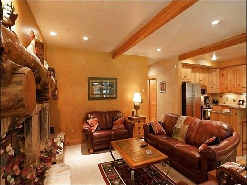 Spacious Living Area with Fireplace and TV - Hot Tub with Incredible Views! - Designer Finishes and Furnishings (25189) - Park City - rentals