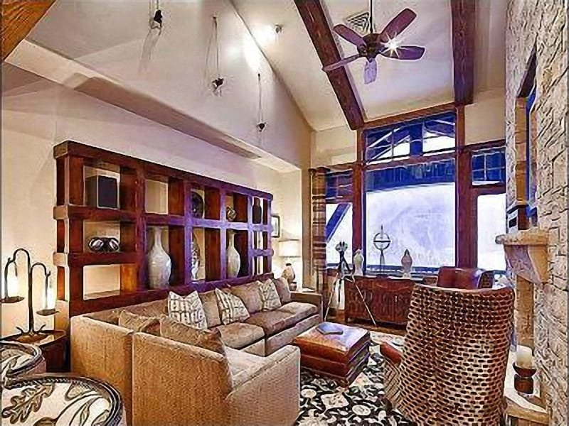 Beautiful Living Room with Stone Fireplace and Mountain Views - Stunning Mountain Views - Stylish Mountain Decor (25196) - Park City - rentals
