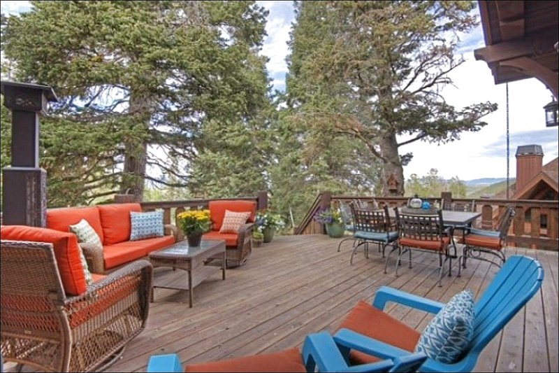 Spacious Deck has Lovely Wooded Views and Contemporary Furnishings - Beautiful Wooded Views - Custom Architecture and High End Finishes (25220) - Park City - rentals
