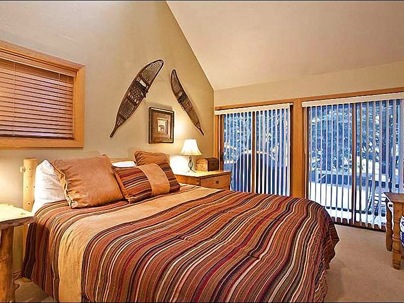 Master Bedroom Features a King Bed and Private Bath with Steam Shower - Spacious, Three-Floor Layout - Contemporary Finishes Throughout (25239) - Park City - rentals
