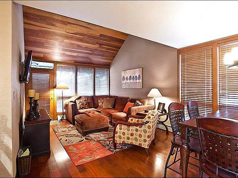 Living Room Features a Large, Flat-Screen TV - Beautiful Golf Course Views - On the Free Shuttle Route, Too (25240) - Park City - rentals