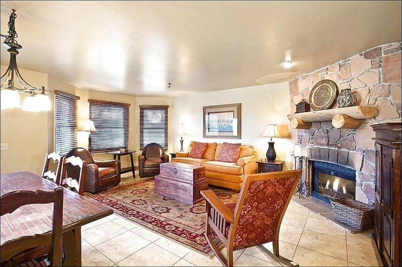 Living Room has a Stone Fireplace and Comfy Furnishings - Contemporary Decor & Furnishings - Four Blocks from Main Street (25244) - Park City - rentals
