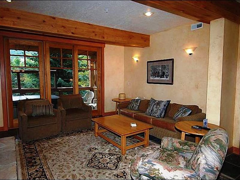 Living Room Features a Fireplace, Flat-Screen TV, and Sleeper Sofa - Upscale Furnishings & Finishes - On the Free Shuttle Route (25285) - Park City - rentals