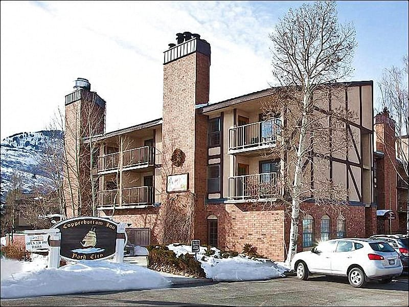 Located Just off Park Avenue - Charming, Upgraded Condo - On the Free Shuttle Route (25338) - Park City - rentals