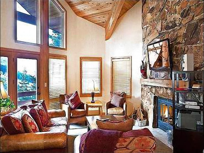 Great Room with Stone Fireplace - Scenic Wooded  Views - Private Outdoor Hot Tub and Shared Sauna (25376) - Park City - rentals