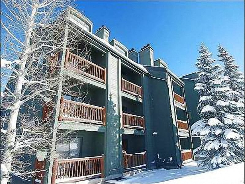 Exterior View - Beautiful Views of the Mountains - Shared Outdoor Hot Tub (25389) - Park City - rentals