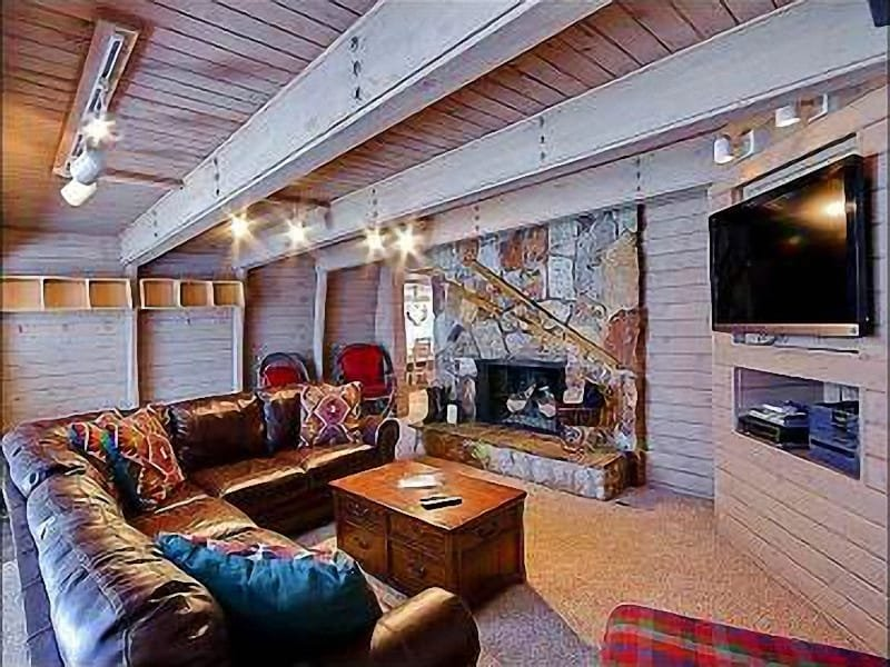 Living Room with  Gas Fireplace, 46 Inch HDTV, DVD/VCR and CD/Stereo - Great for Family Gatherings - Two Living Areas with Fireplaces (25407) - Park City - rentals