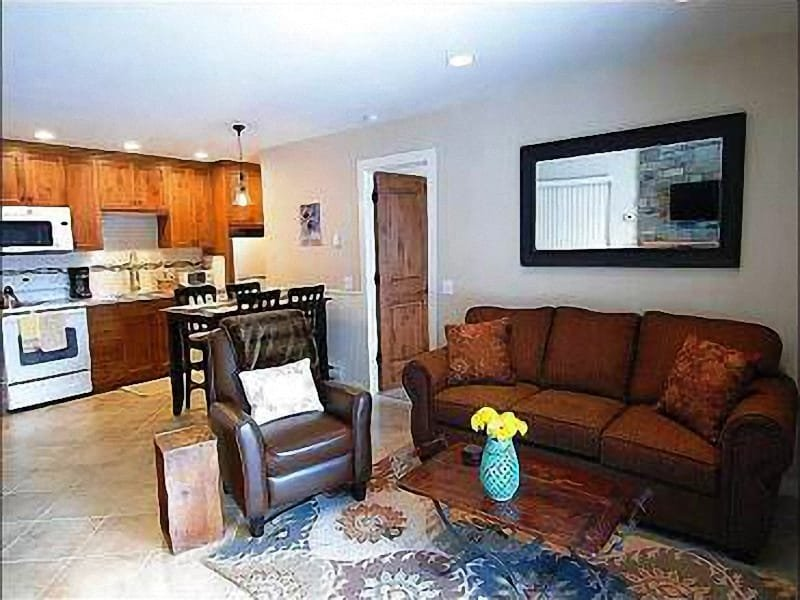 Living Area - Valley View - Shared Hot Tub (25417) - Park City - rentals