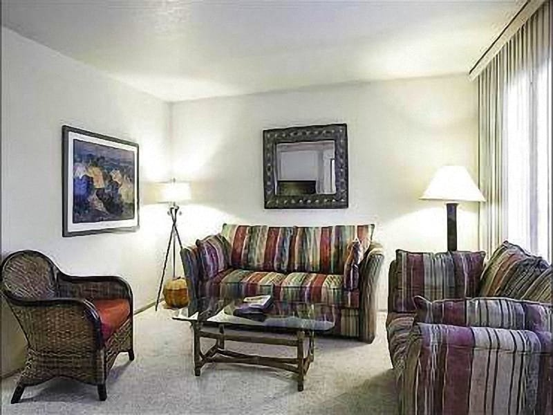 Living Room - Golf Course View - Perfect Unit for Large Groups and Family Reunions (25424) - Park City - rentals