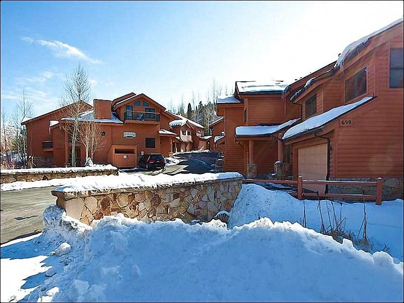 Exterior View - Just a Short Walk to Dining and Shopping - Private Hot Tub (25432) - Park City - rentals