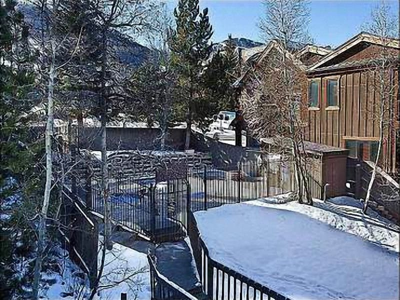 Lovely Courtyard View - Valley View - Great On-Site Amenities (25429) - Park City - rentals