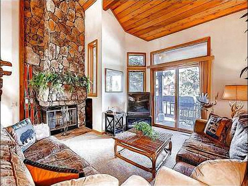 Living Area - Drive to Shopping and Dining - Shared Outdoor Hot Tub and Pool (25435) - Park City - rentals