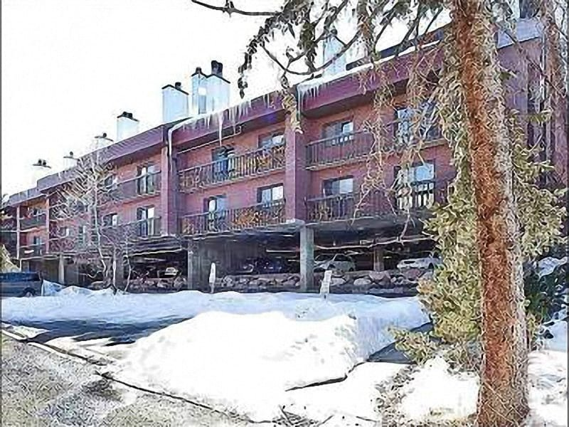 Exterior View - Take a Short Walk to Dining and Shopping - Shared Pool and Hot Tub (25461) - Park City - rentals