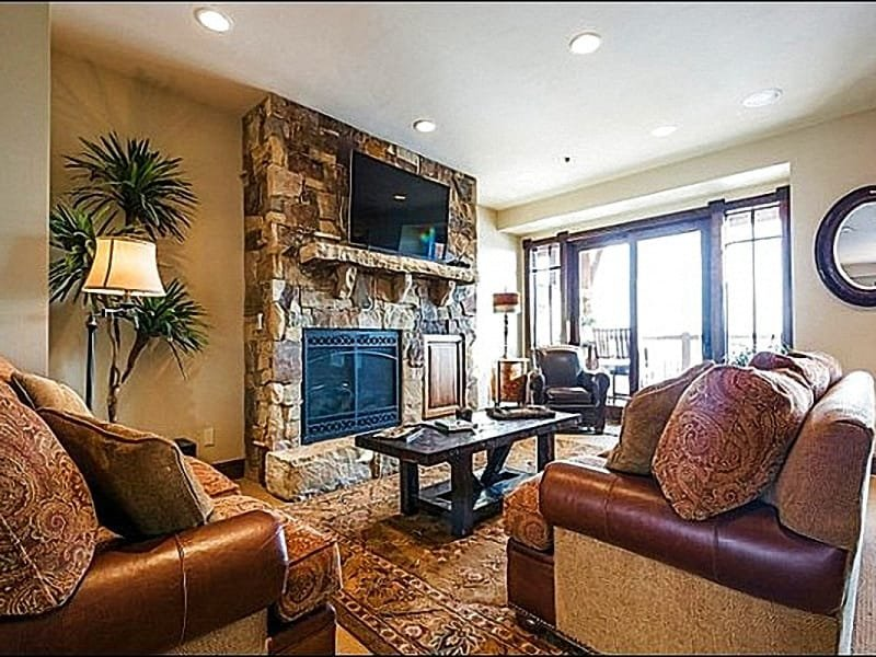 Living Room Features a Gas Fireplace and Flat Screen TV - Next to the Canyons Golf Course - Lovely Mountain Views (25464) - Park City - rentals