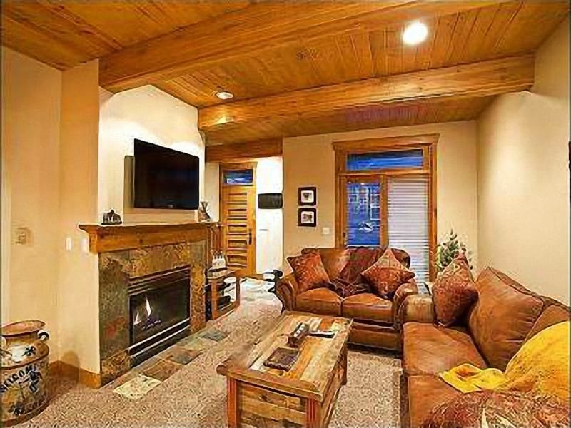Living Room Features a Gas Fireplace and Flat Screen Cable TV - Three Blocks from Historic Main Street - Tasteful Rustic Design (25575) - Park City - rentals