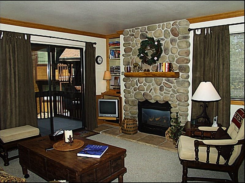 Beautiful Custom Rock Fireplace - Beautiful Mountain Decor - Mountain and Open Space Views (2725) - Park City - rentals