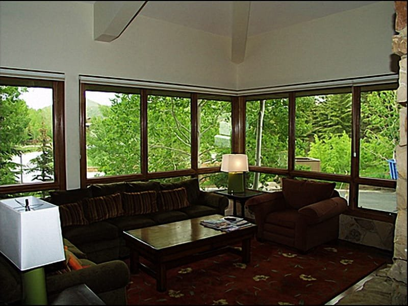 Living Room - Large Windows, Mountain Views, Large Screen TV - Fabulous Mountain Views  - Spacious Home Close to Slopes (7224) - Park City - rentals