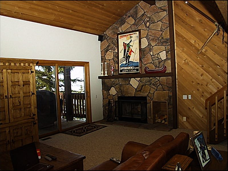 Living Room - Comfortable Furnishings, Balcony Access - Vaulted Ceilings - Fabulous Mountain & Ski Resort Views (7657) - Park City - rentals