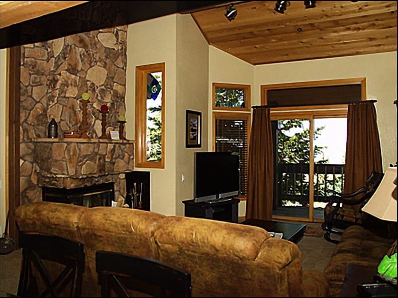 Living Room - Fireplace - Silverlake Village - Beautiful Ridgetop Views  (7683) - Park City - rentals