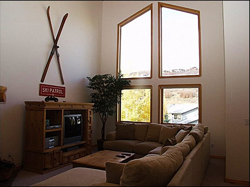 Living Room - Comfortable Furnishings, Large TV - Centrally Located - Beautiful Mountain Views (8059) - Park City - rentals