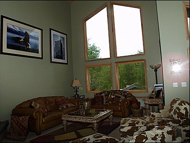 Living Room - Open and Bright - Western Luxury with Mountain Views - Spacious Townhome (8061) - Park City - rentals