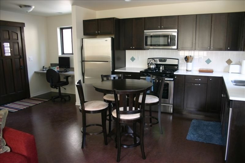 Walk to Everything, Clean and Modern! Just Minutes to Downtown! - Image 1 - Bend - rentals