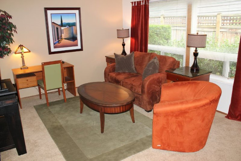 FULLY FURNISHED AND SPACIOUS 1 BEDROOM, 1 BATHROOM APARTMENT - Image 1 - Los Angeles - rentals